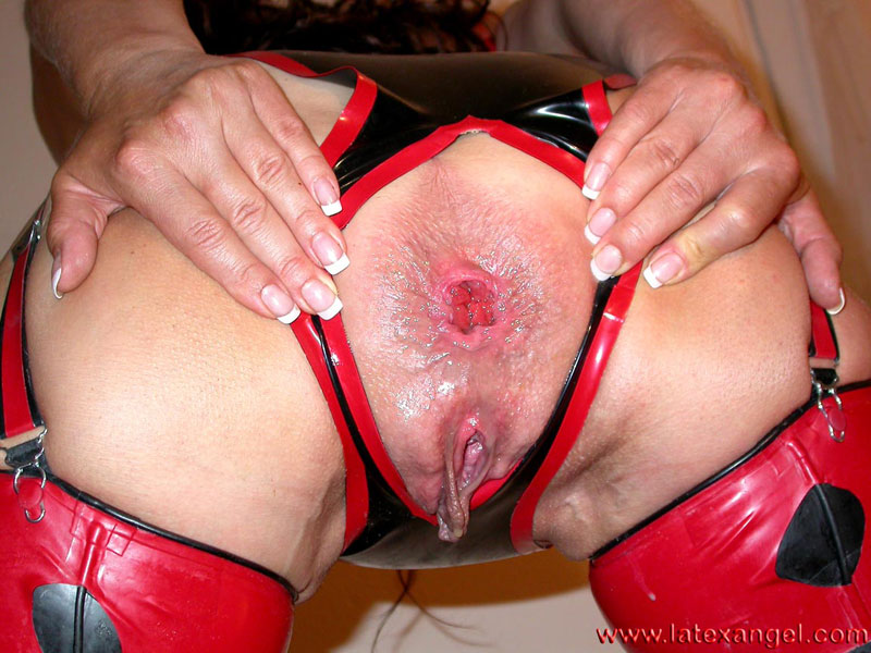 [LatexAngel] Bottle Fucking