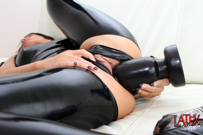 Plug gas butt anal
