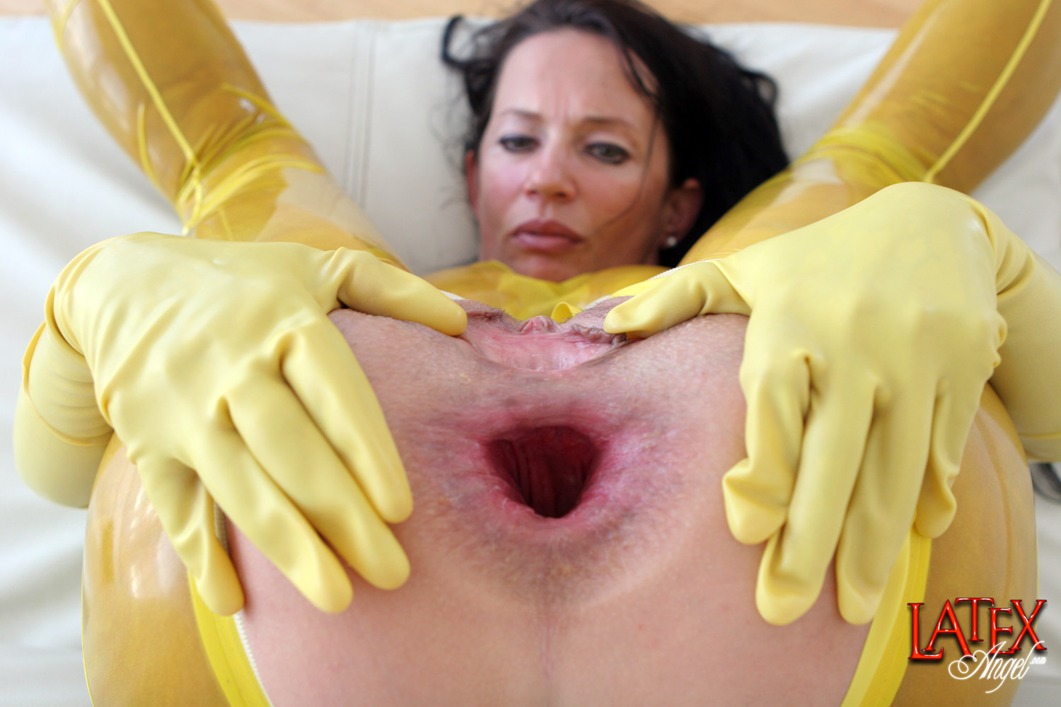 Download [LatexAngel] Oversized Zucchini