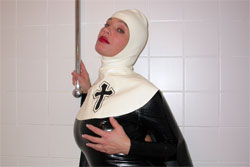 Latex Nonne