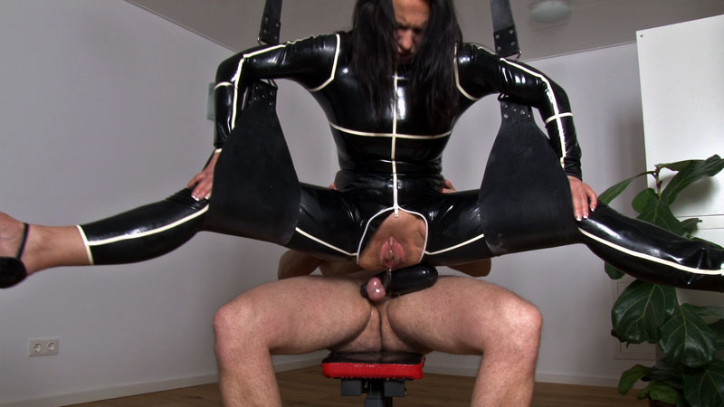 [LatexAngel] Massive squirting