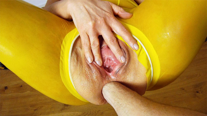 [LatexAngel] Cock with balls in asshole