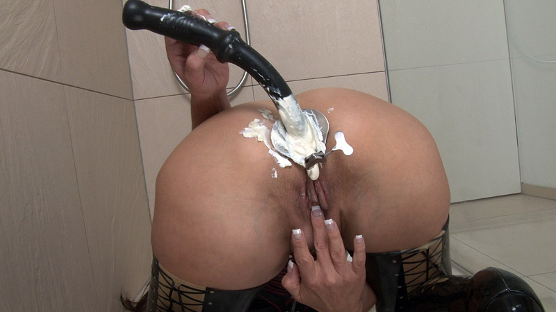 [LatexAngel] Ass filled with cream