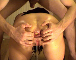 Gape and Piss